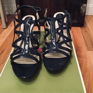 Navy Blue Naturalizer Heels NWT